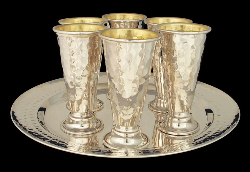 Set of Sterling Silver 6 Kiddush cups and tray