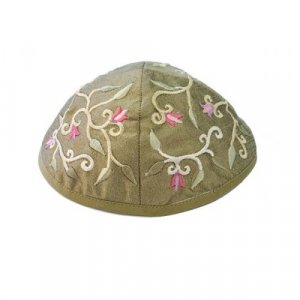 Yair Emanuel Kippah, Embroidered Flowers and Leaves – Gold